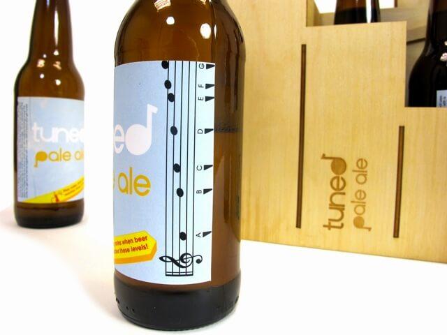 Un packaging de bière pour apprendre à siffler avec une bouteille