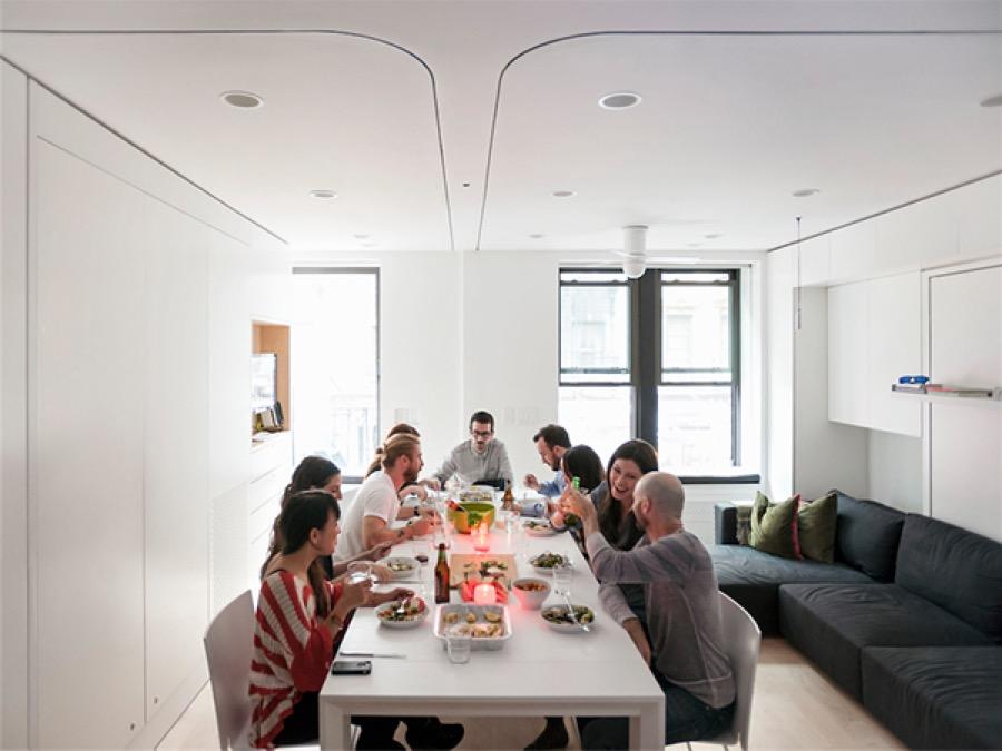 Première configuration de cet appartement modulable : à table !