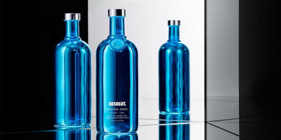 packaging absolut vodka chrismas edition - we need cafeine 1